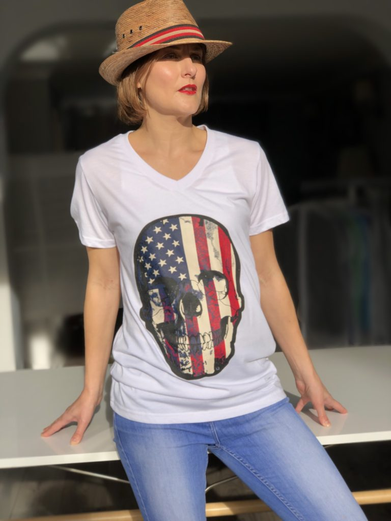 https://sweatsoflondon.com/product-category/women/t-shirts-poloshirts-dresses-women/