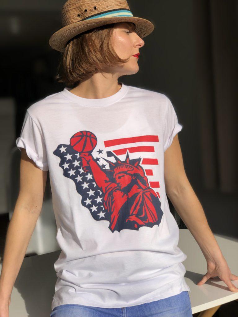 https://sweatsoflondon.com/product-category/women/t-shirts-poloshirts-dresses-women/